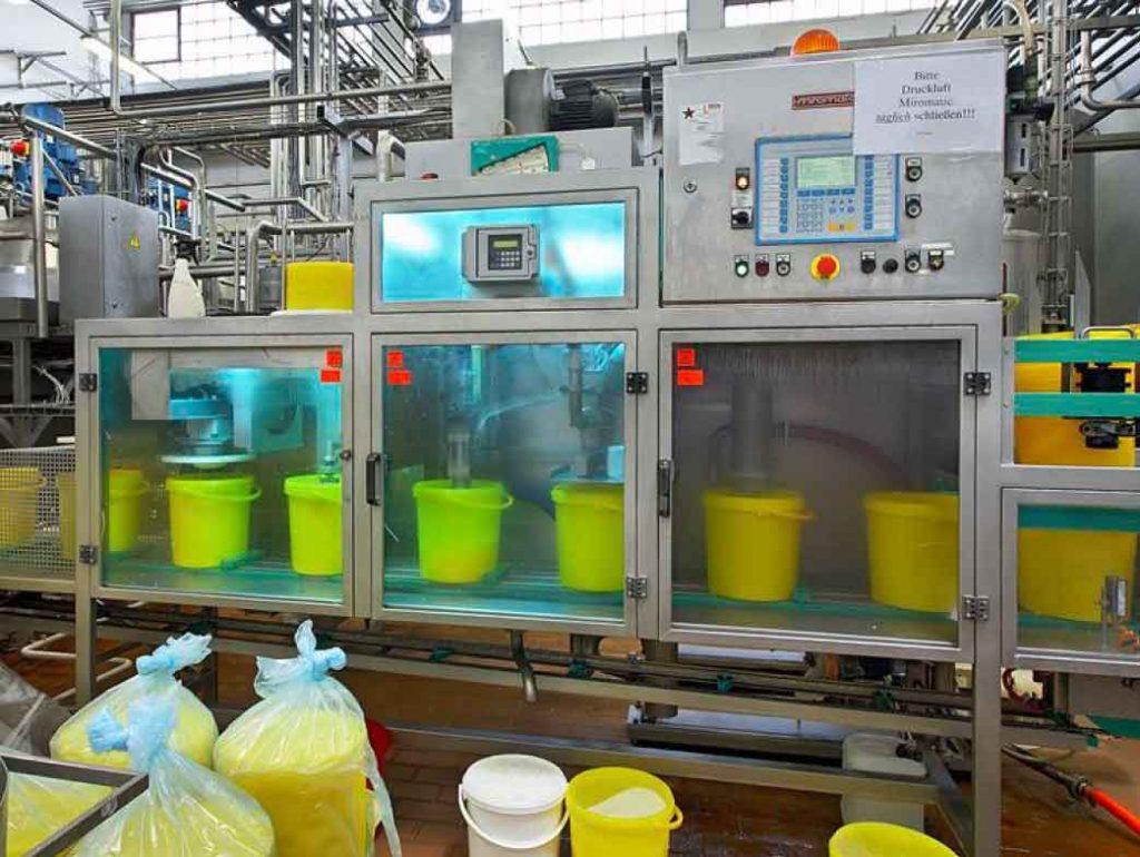 uv-c decontamination of food buckets